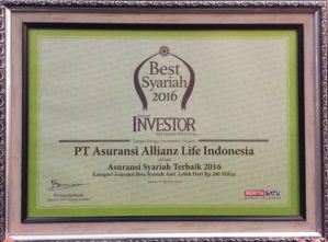 plakat-penghargaan-allianz-the-best-syariah-2016